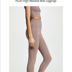 BEYOND YOGA: Plush high waisted midi leggings